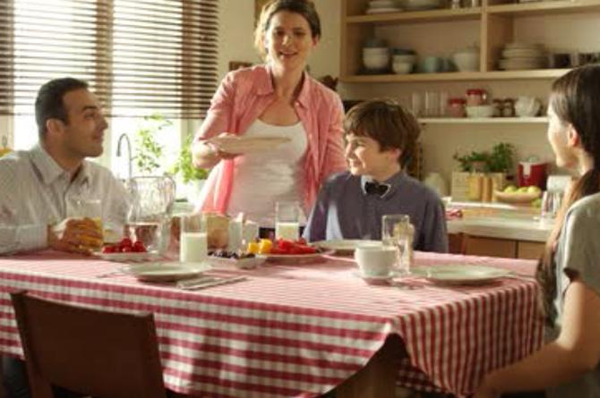 Noua campanie de comunicare Caroli - Mama